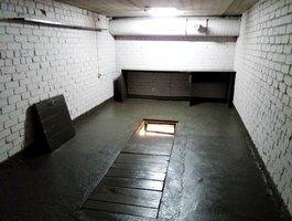 Garage Vilniuje, Pašilaičiuose, Pašilaičių g.