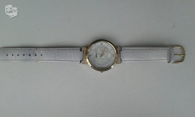 Naudotas laikrodis, apie pusmeti. Veikia gerai.