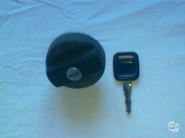 Rakinamas benzobako dangtelis, skirtas WV, Audi.