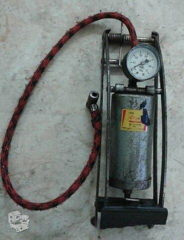 Kojinė pompa su defektu, luzusi atmetimo spyruokle, kuri matoma