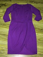 Violetinė suknelė su klostėmis priekyje