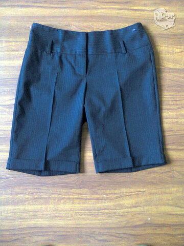 Kelnės -šortai juodos su juostelėmis
