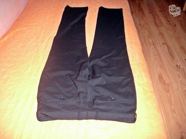 Juodos kostiuminės