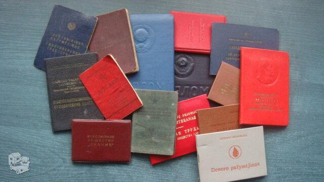 Įvairios knygelės.