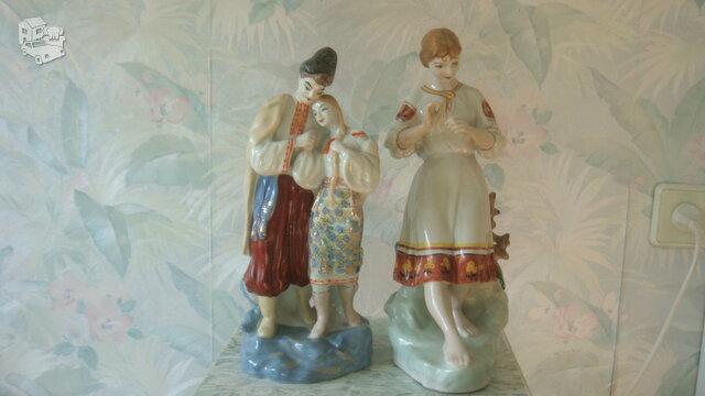 Tarybinių laikų skulpturėlės.