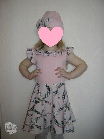 Nuostabus derinukas: suknele ir kepuryte