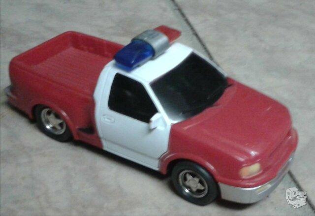 Žaisline mašinėlė, yra 2 vnt.