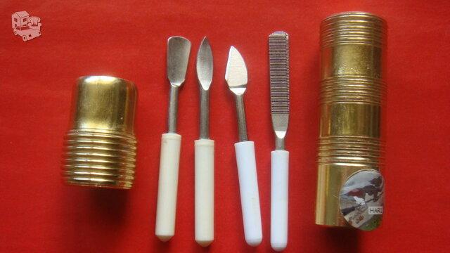 Kelioniniai įrankiai manikiūrui