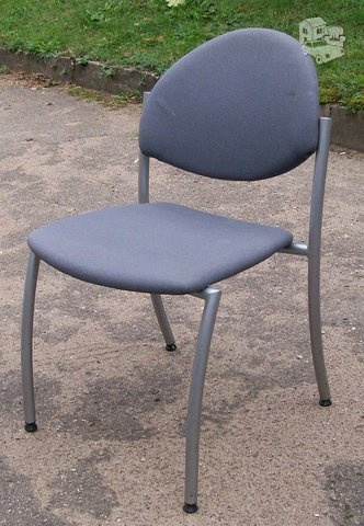 Pilka naudota kėdė. SMS nebendrauju