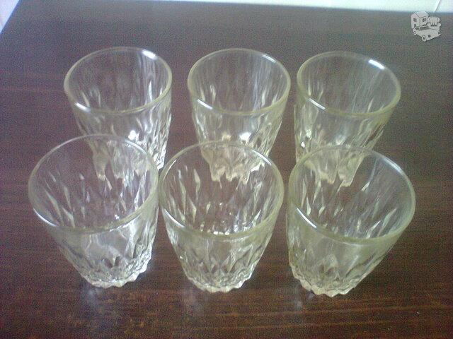 Labai pigiai stiklinės