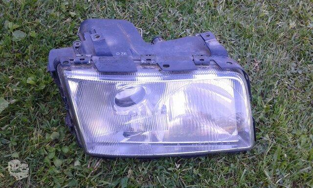 Audi 100 (C4) priekinė keleivio puses leščinė lempa