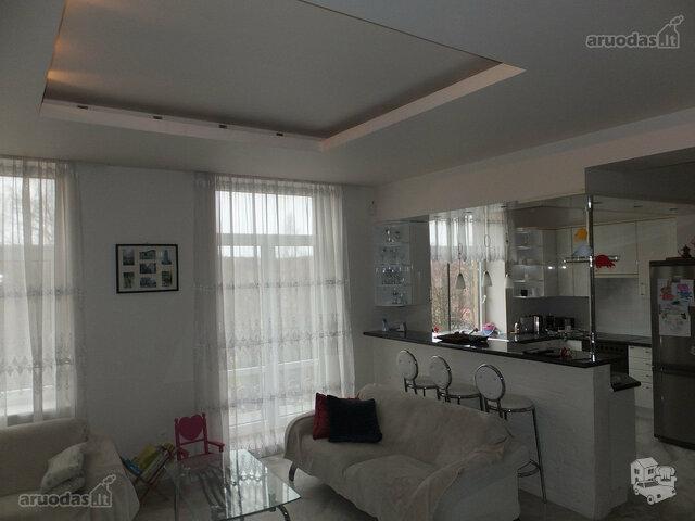 4 kambarių butas Klaipėdoje, Centre, S. Šimkaus g.