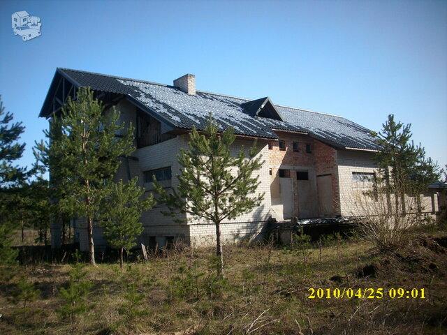 Gyvenamasis namas Varėnos r. sav., Užuperkasyje, Aušros g.